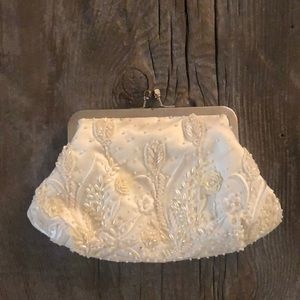 Ivory beaded clutch - great condition!